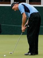 Jim Furyk putting
