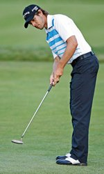 Aaron Baddeley putting