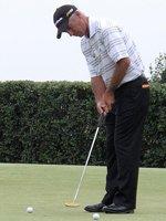 Corey Pavin putting